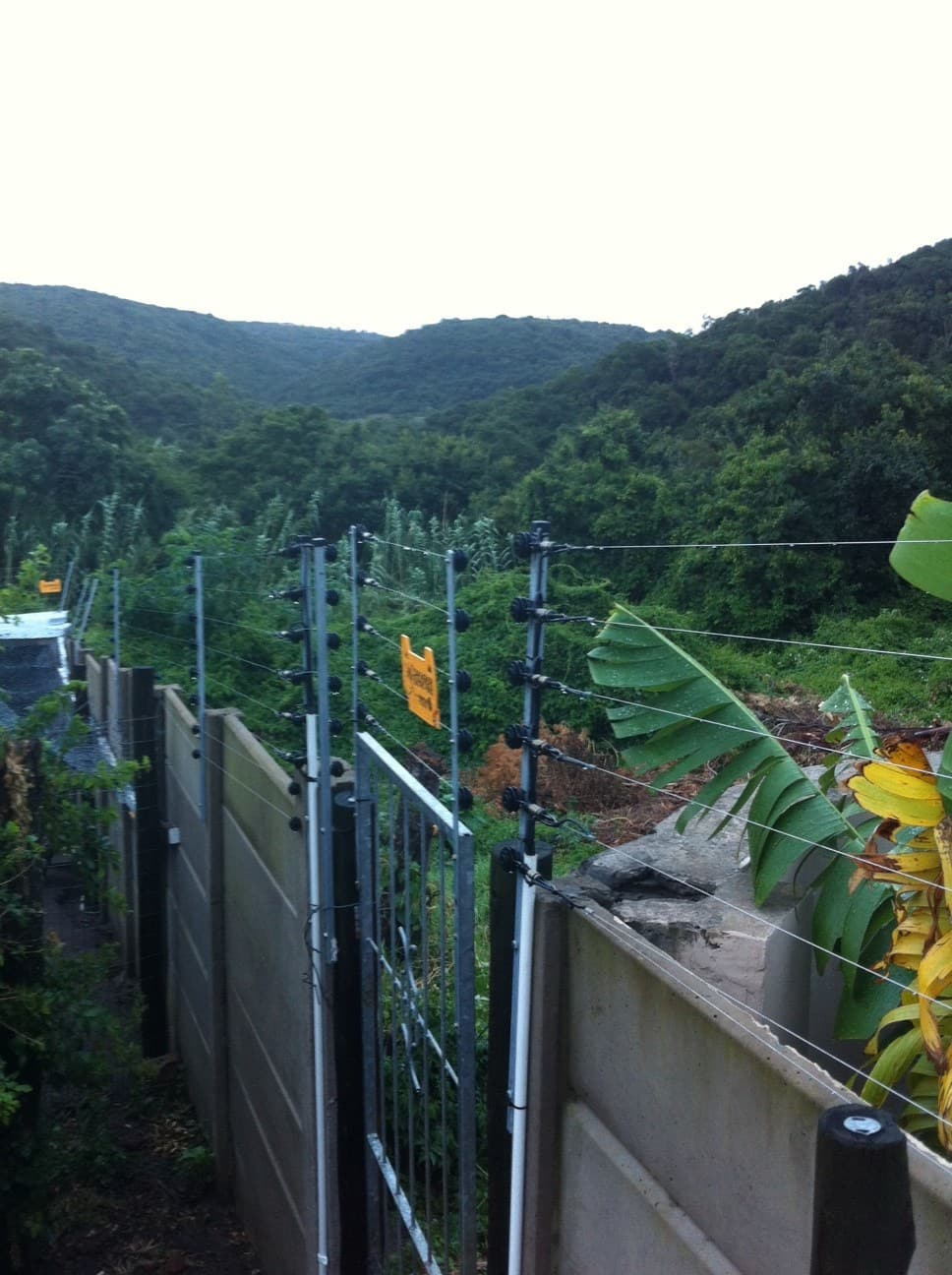 Tough New Laws For Electric Fences Housecheck Home Inspection Joining Fencing Wire Fence Dangers